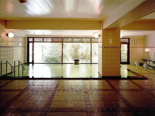 【いわき湯本温泉 吹の湯旅館】赤松林に囲まれた閑静な宿です。