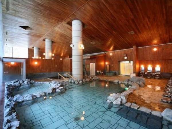 【国民宿舎東大雪荘】手つかずの自然が残る秘境。大自然の温かさが、 じんわりとしみ込んでくる温泉