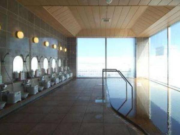 【函館天然温泉 ルートイングランティア函館駅前】函館駅前から徒歩1分。最上階に展望大浴場を完備。